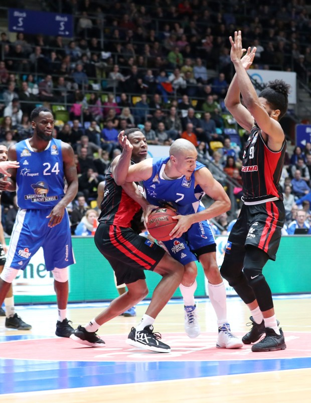 Basketball BL,  FRAPORT SKYLINERS -GIESSEN 46ers
