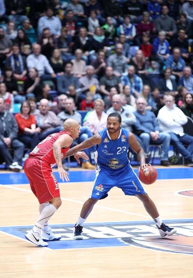 Basketball BL,  FRAPORT SKYLINERS - s.OLIVER WÜRZBURG