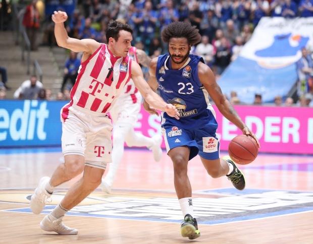 Basketball BL,  FRAPORT SKYLINERS -  TELEKOM BASKETS BONN